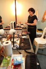 Durante o show: maquiagem e transmissão simultânea